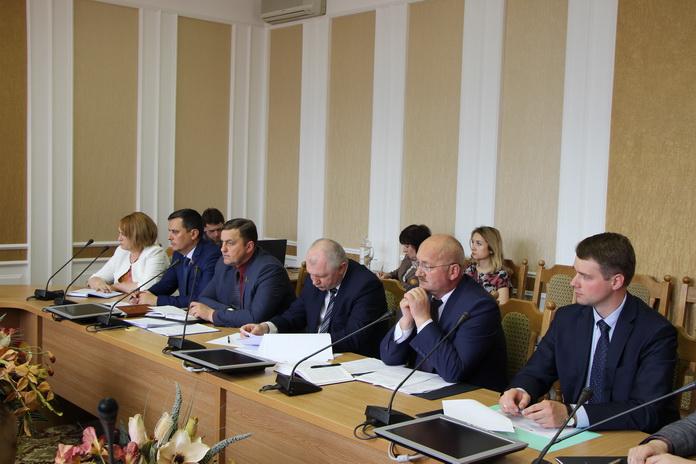 на заседании Постоянной комиссии по законодательству